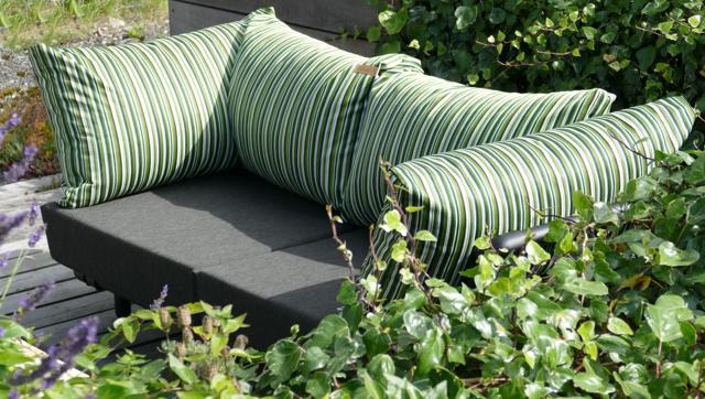 loungebank buiten in buitenstof groen