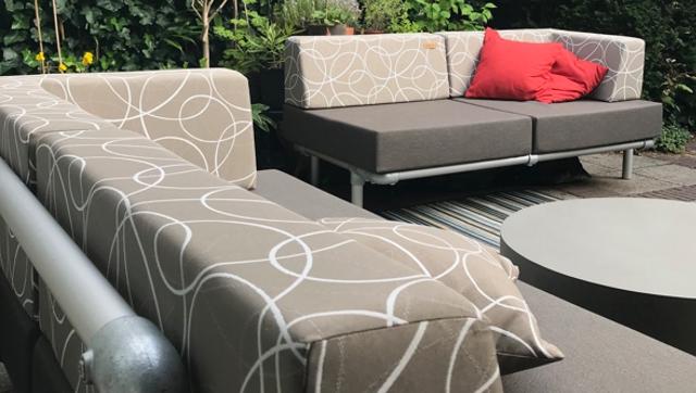 loungebank buiten in outdoor stof taupe